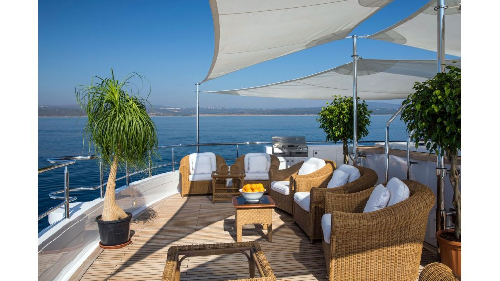 Luxury Yacht Fam (46)