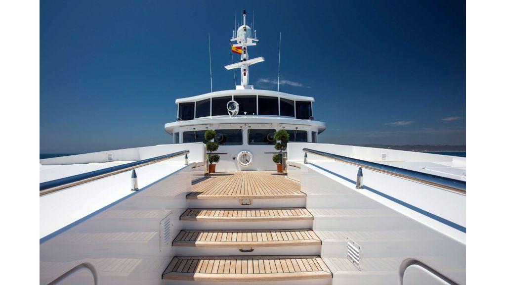 Luxury Yacht Fam (49)