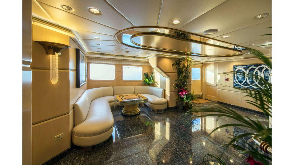Luxury Yacht Fam (9)