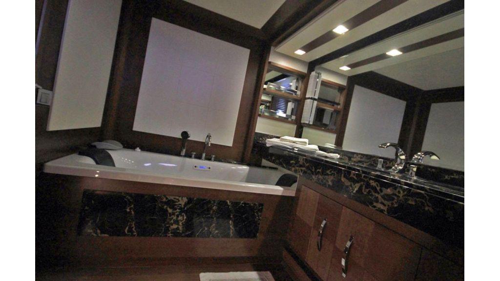 Azimut 88 motor yacht (14)