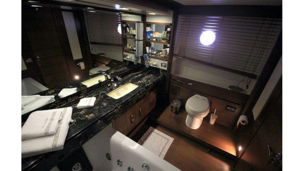 Azimut 88 motor yacht (23)