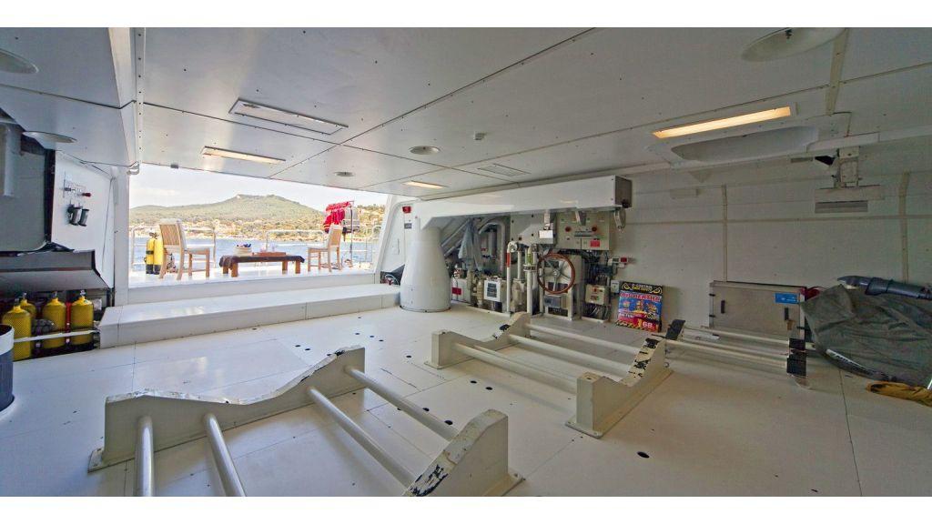 Luxury 50m Aluminum Yacht (14)
