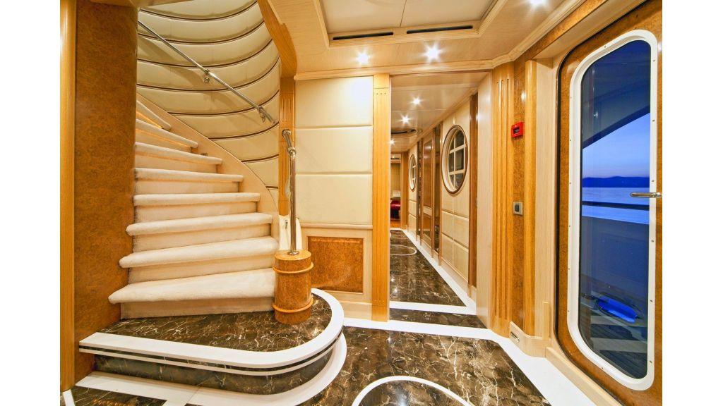 Luxury 50m Aluminum Yacht (17)
