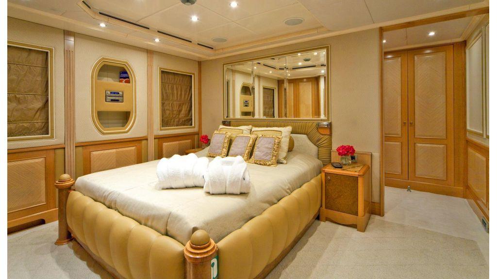 Luxury 50m Aluminum Yacht (19)