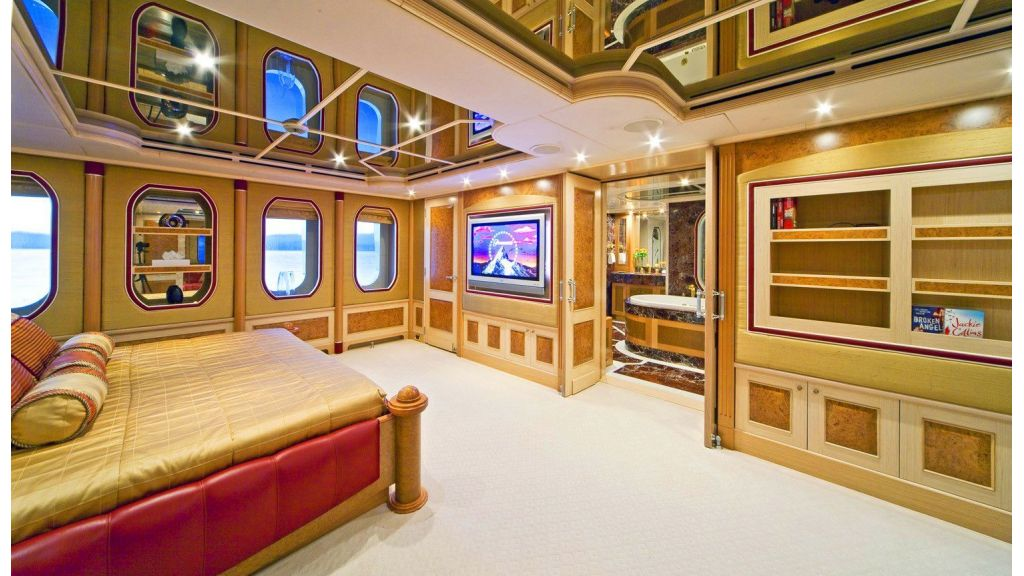 Luxury 50m Aluminum Yacht (21)