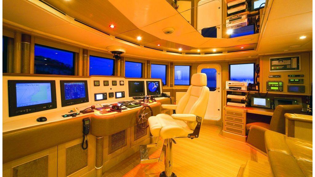 Luxury 50m Aluminum Yacht (24)