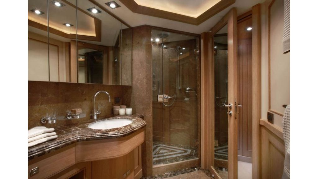 Luxury Yacht Rubeccan (13)