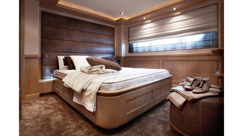 Luxury Yacht Rubeccan (14)