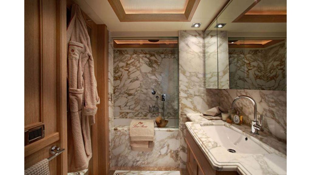 Luxury Yacht Rubeccan (5)