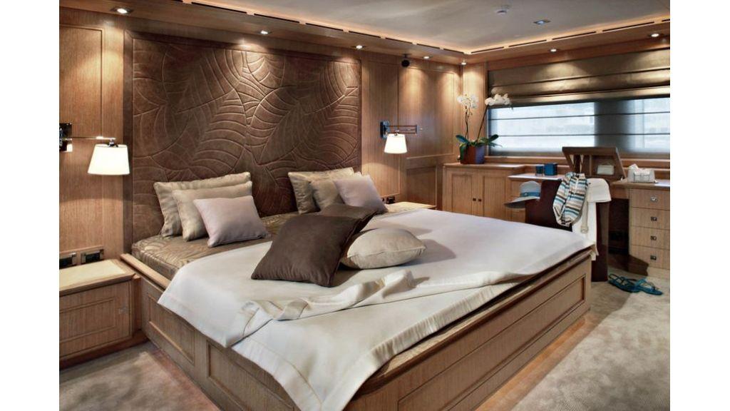 Luxury Yacht Rubeccan (7)
