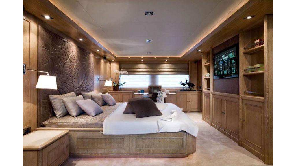 Luxury Yacht Rubeccan (8)