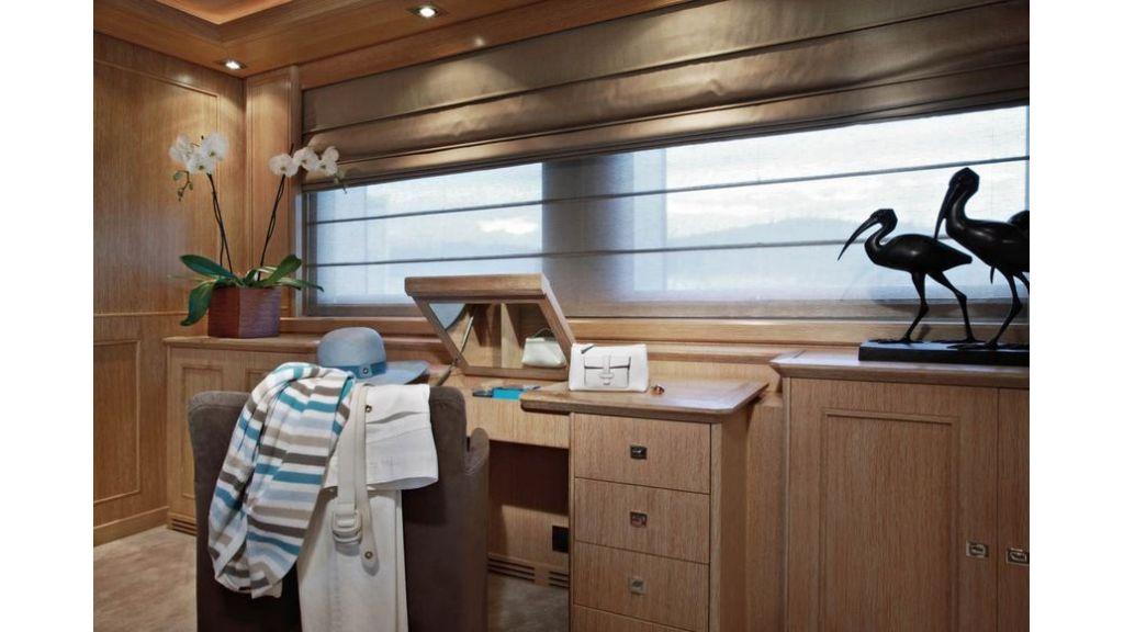 Luxury Yacht Rubeccan (9)