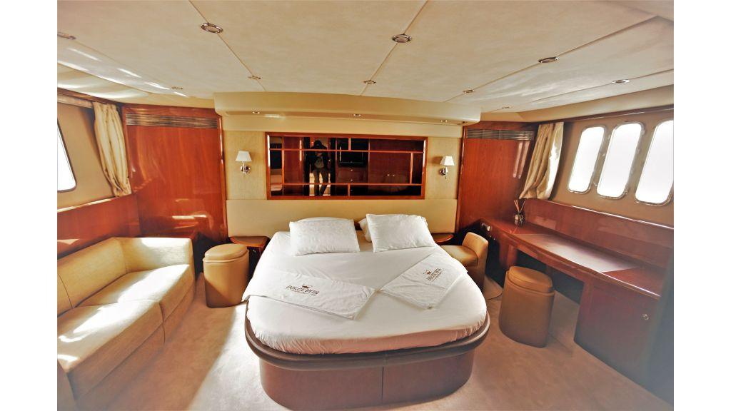 Motor Yacht Dolce Vita (13)