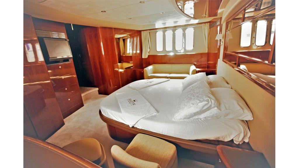 Motor Yacht Dolce Vita (17)