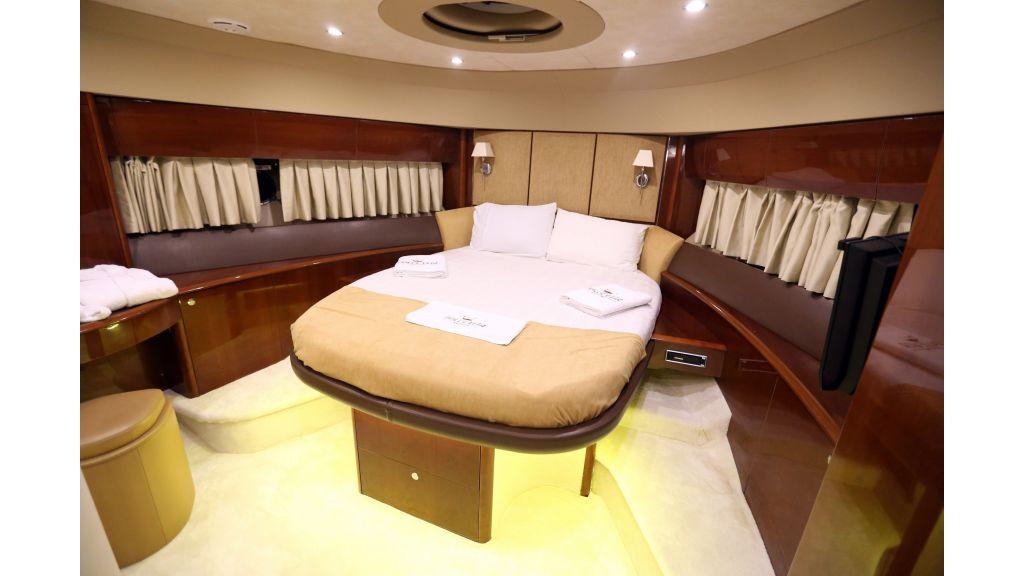 Motor Yacht Dolce Vita (9)