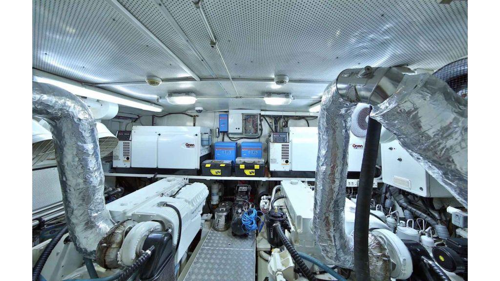 Navy 83 Yacht (15)