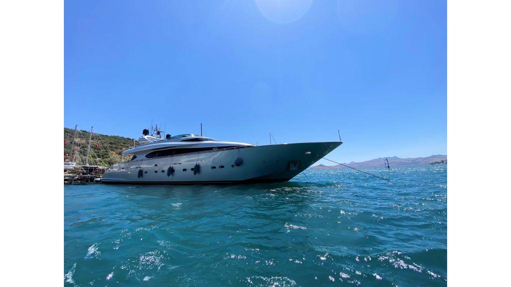 Maiora 32 DP 2010 Motor Yacht (1)