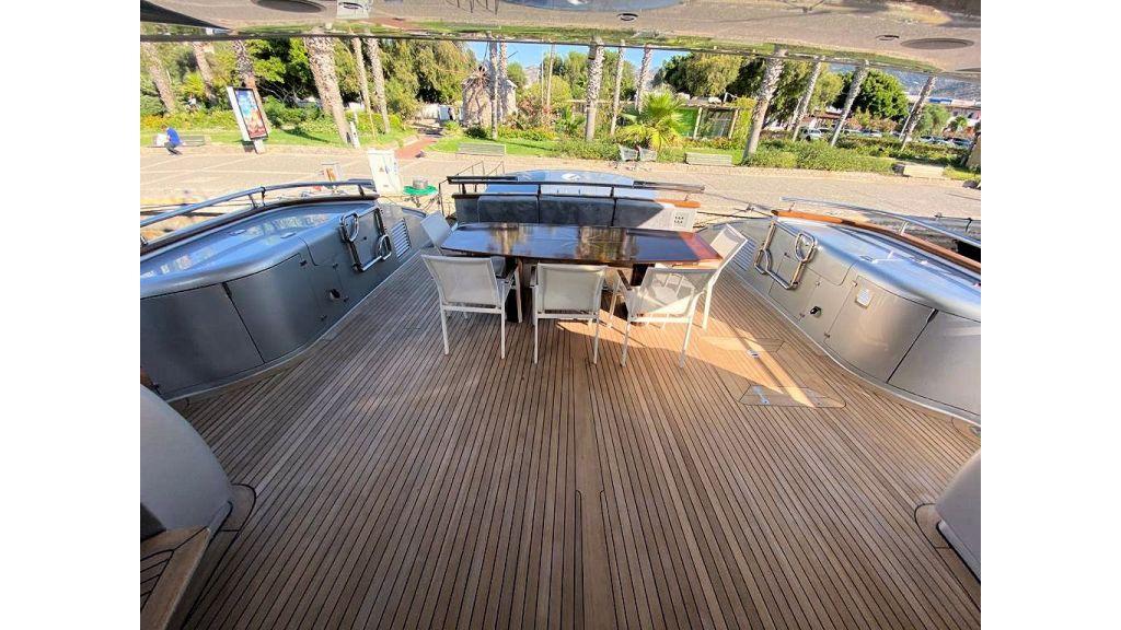 Maiora 32 DP 2010 Motor Yacht (10)