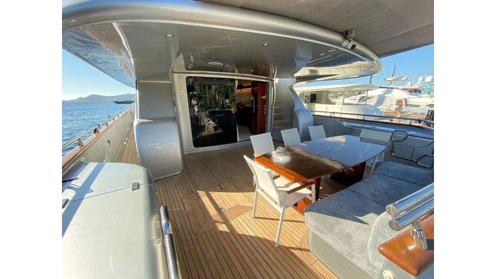 Maiora 32 DP 2010 Motor Yacht (12)