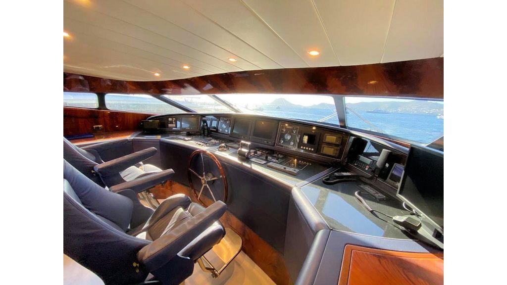 Maiora 32 DP 2010 Motor Yacht (14)