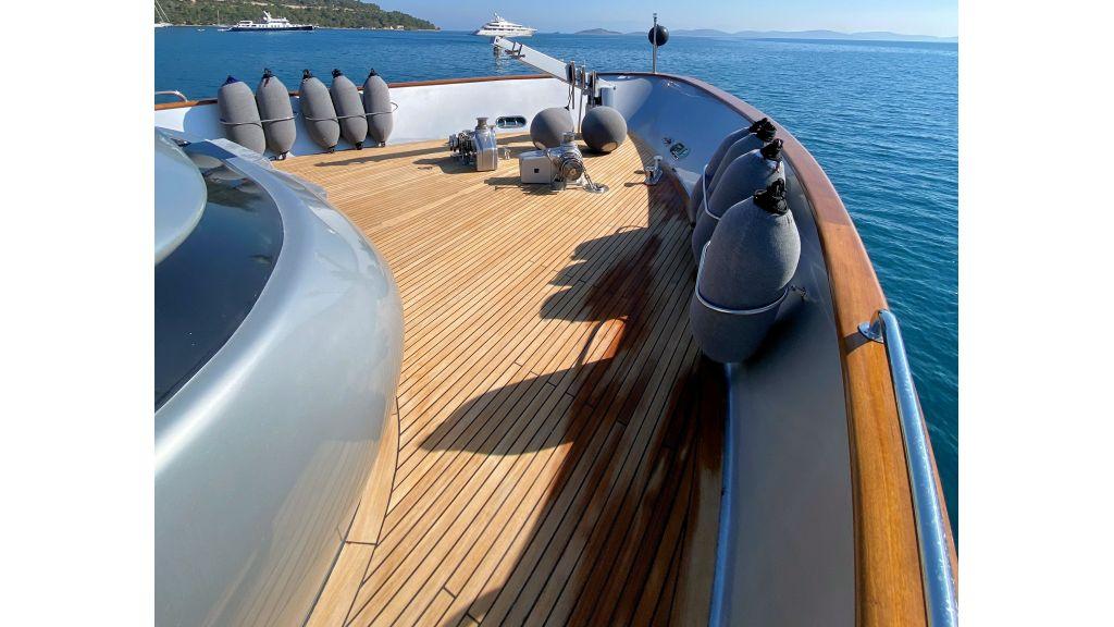 Maiora 32 DP 2010 Motor Yacht (15)