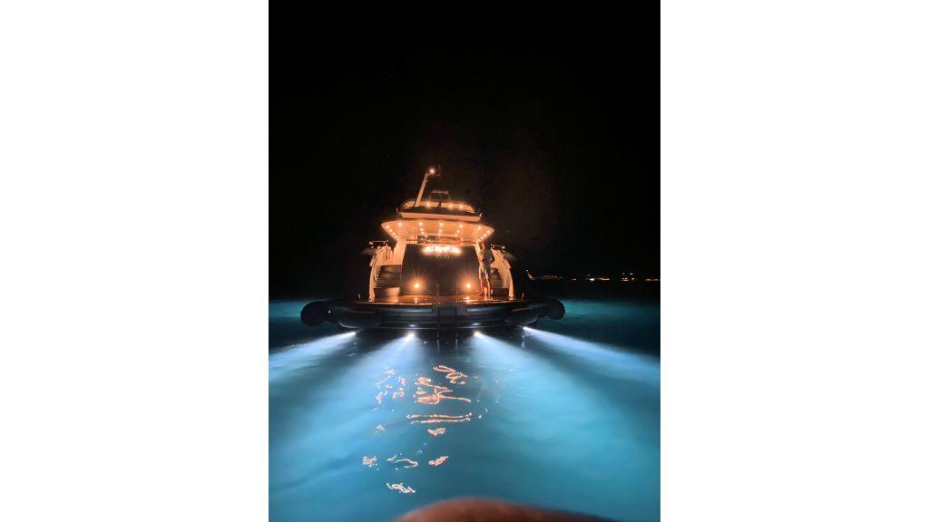 Maiora 32 DP 2010 Motor Yacht (17)