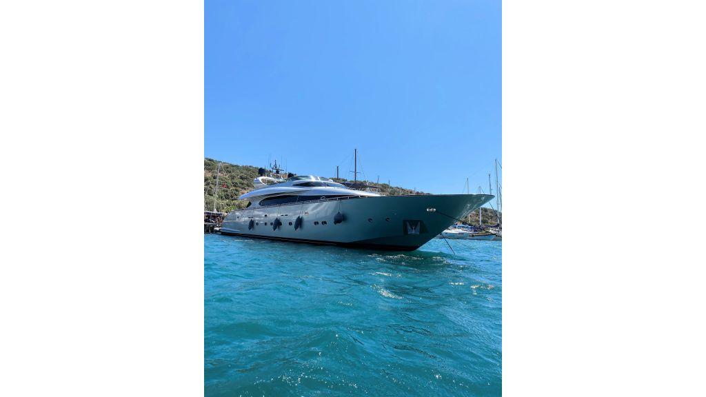 Maiora 32 DP 2010 Motor Yacht (2)
