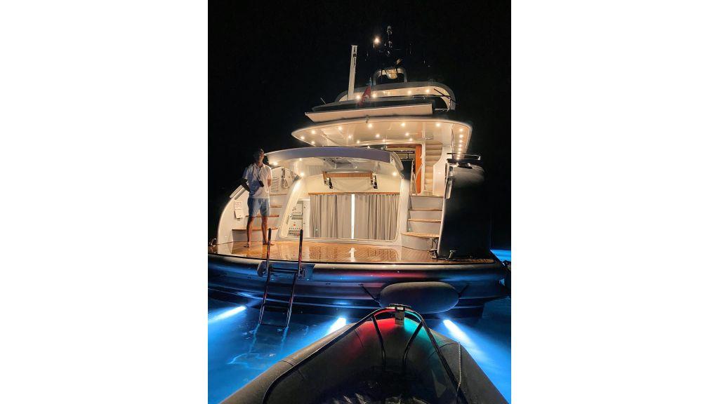Maiora 32 DP 2010 Motor Yacht (20)