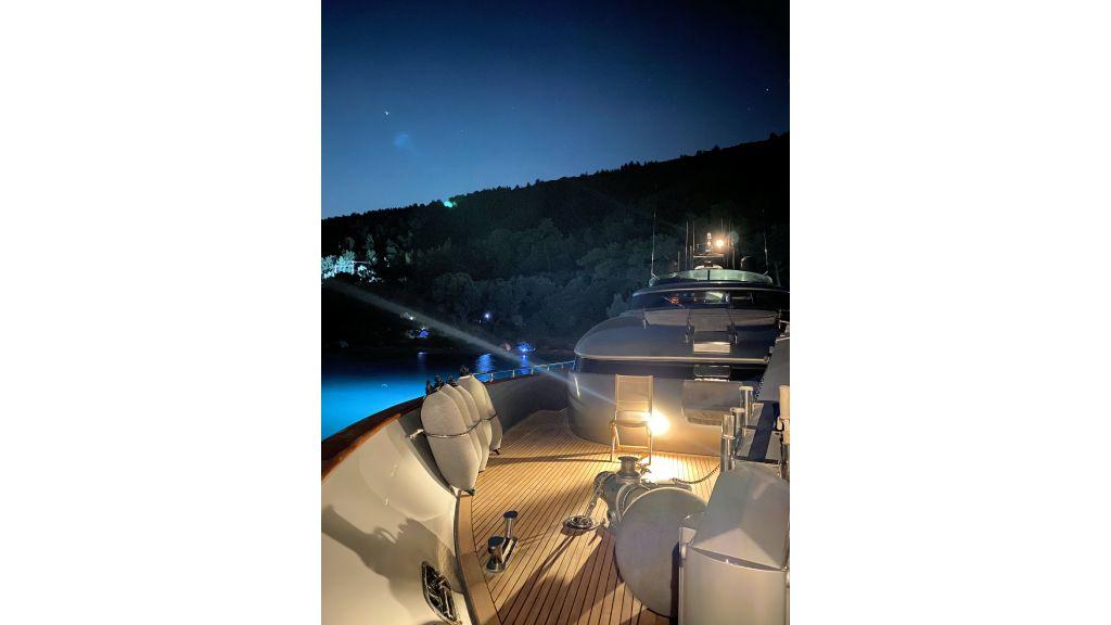 Maiora 32 DP 2010 Motor Yacht (22)