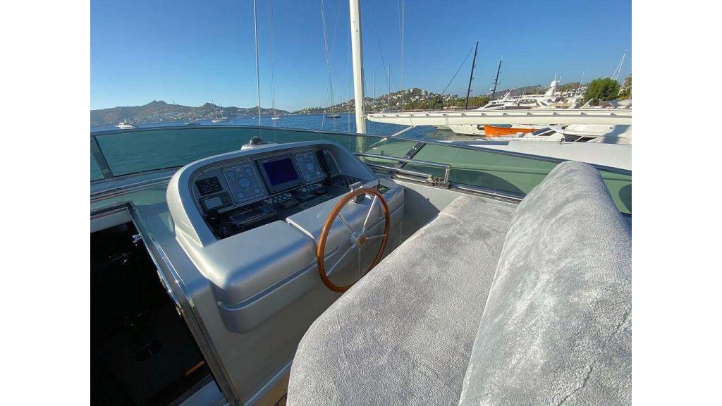 Maiora 32 DP 2010 Motor Yacht (25)