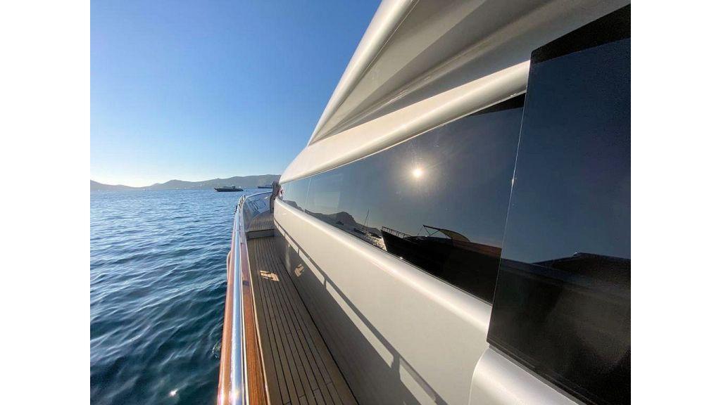 Maiora 32 DP 2010 Motor Yacht (27)
