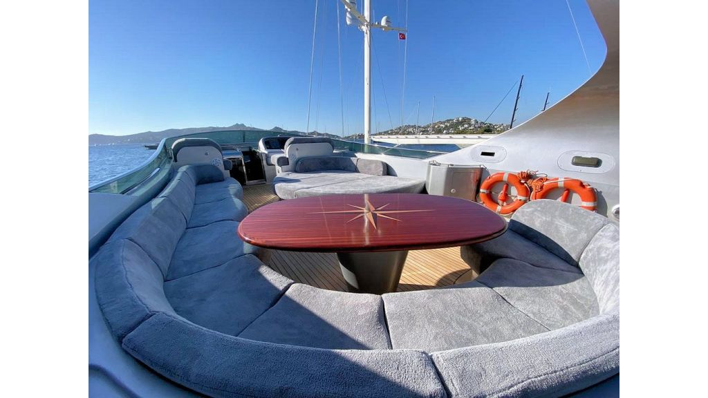 Maiora 32 DP 2010 Motor Yacht (31)