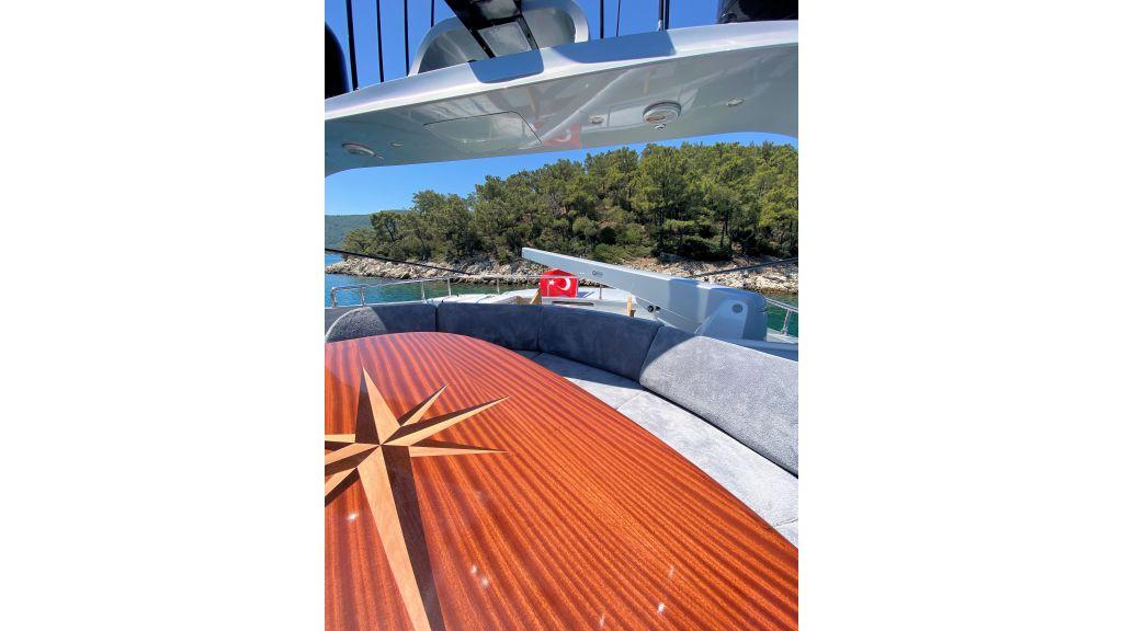 Maiora 32 DP 2010 Motor Yacht (38)