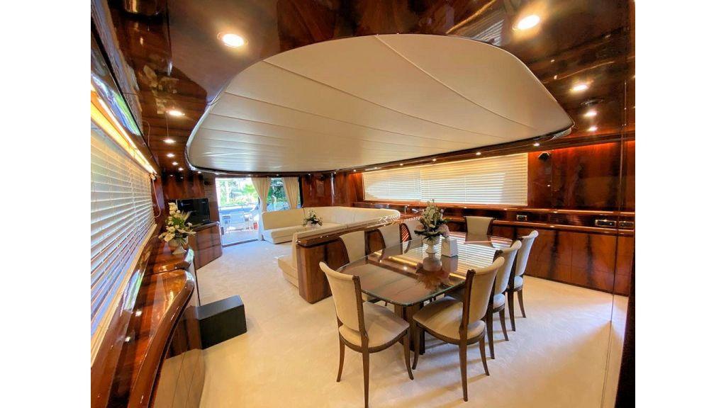 Maiora 32 DP 2010 Motor Yacht (39)