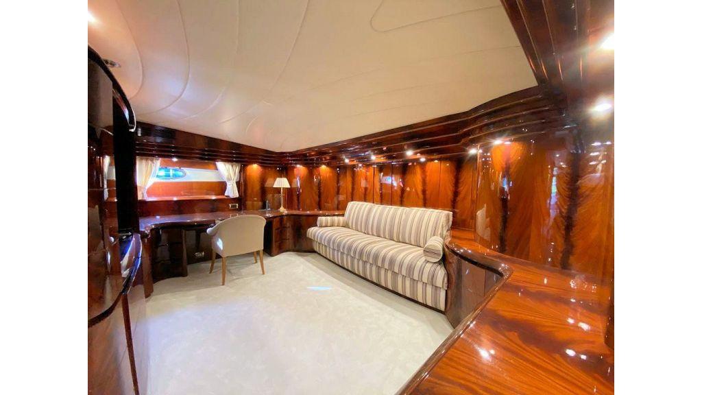 Maiora 32 DP 2010 Motor Yacht (40)