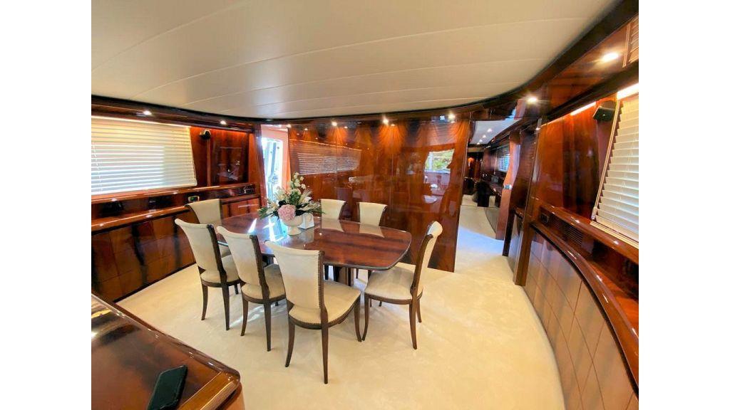 Maiora 32 DP 2010 Motor Yacht (41)