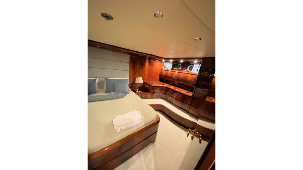 Maiora 32 DP 2010 Motor Yacht (42)