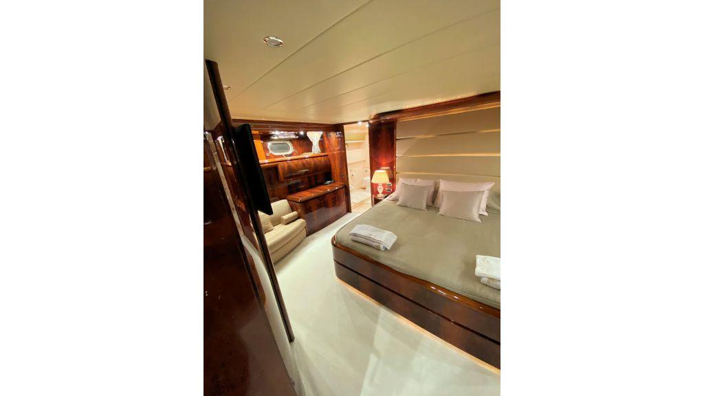 Maiora 32 DP 2010 Motor Yacht (43)