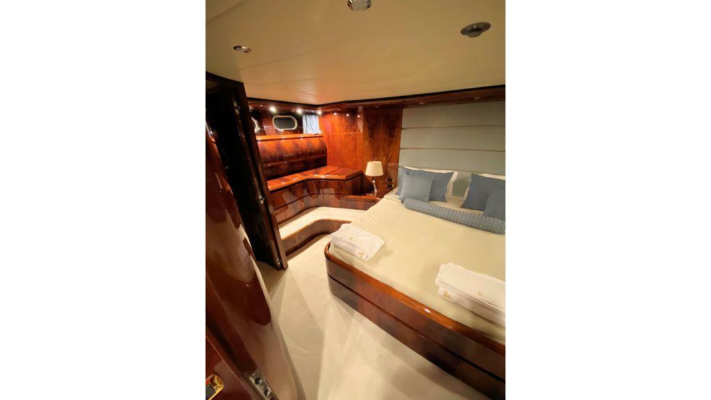 Maiora 32 DP 2010 Motor Yacht (46)
