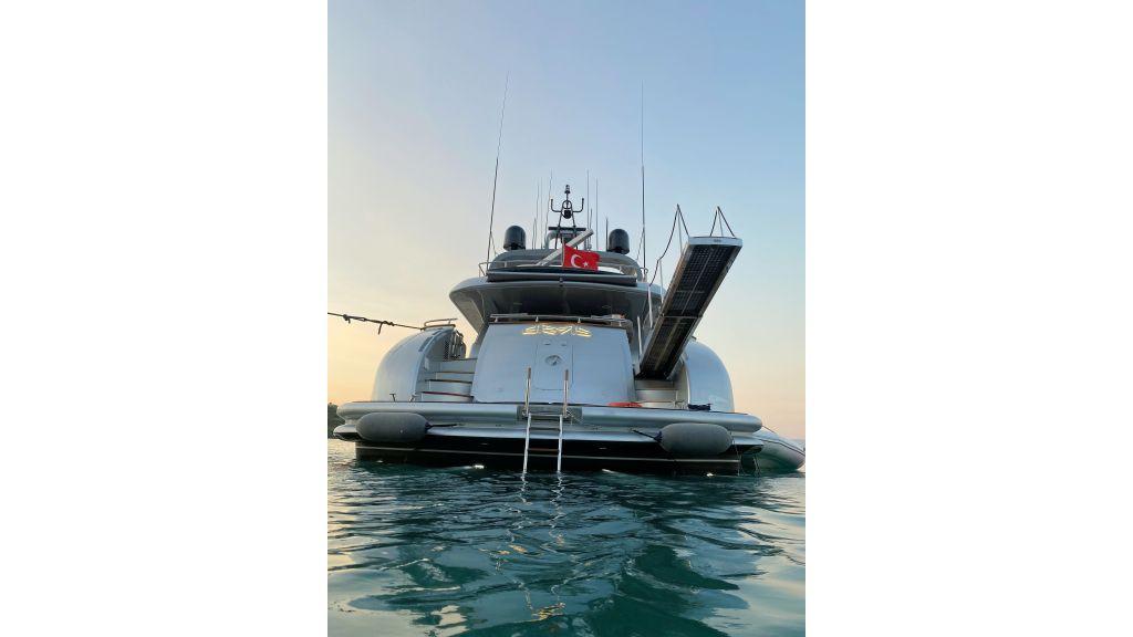 Maiora 32 DP 2010 Motor Yacht (5)