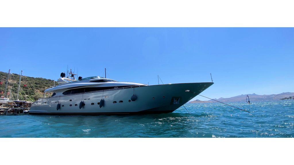 Maiora 32 DP 2010 Motor Yacht (5) - master