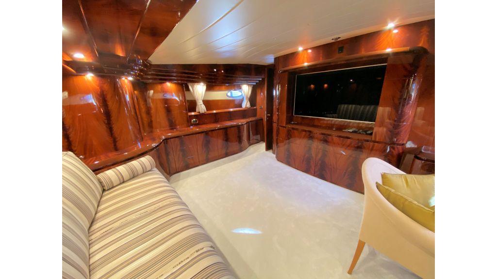 Maiora 32 DP 2010 Motor Yacht (50)