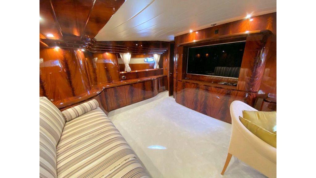 Maiora 32 DP 2010 Motor Yacht (53)