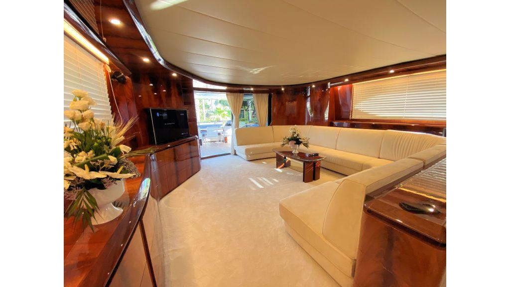 Maiora 32 DP 2010 Motor Yacht (56)