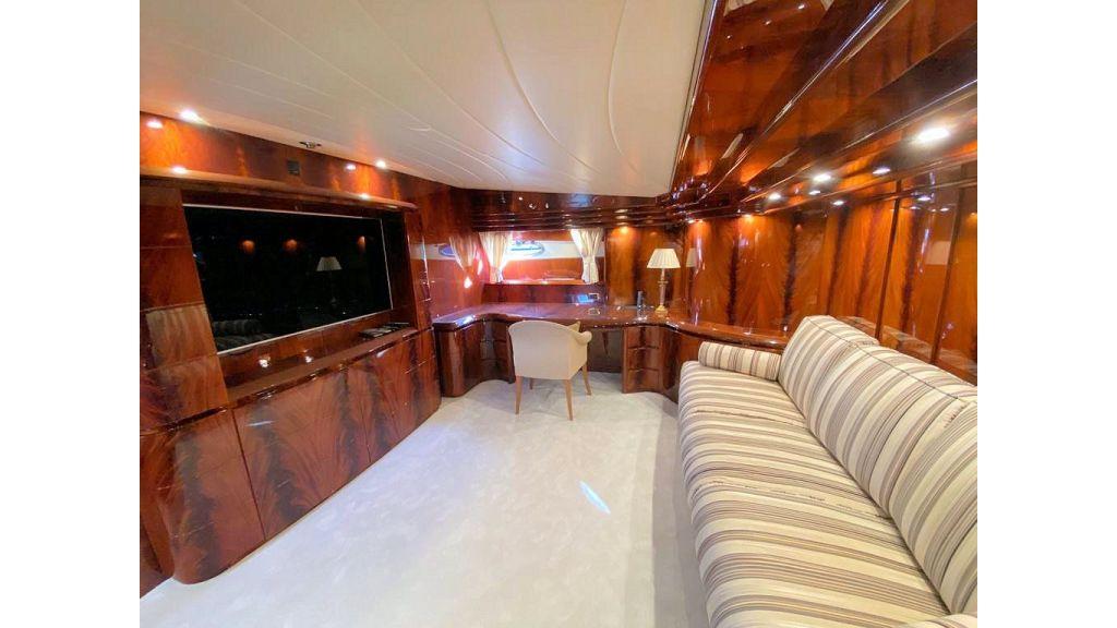 Maiora 32 DP 2010 Motor Yacht (57)