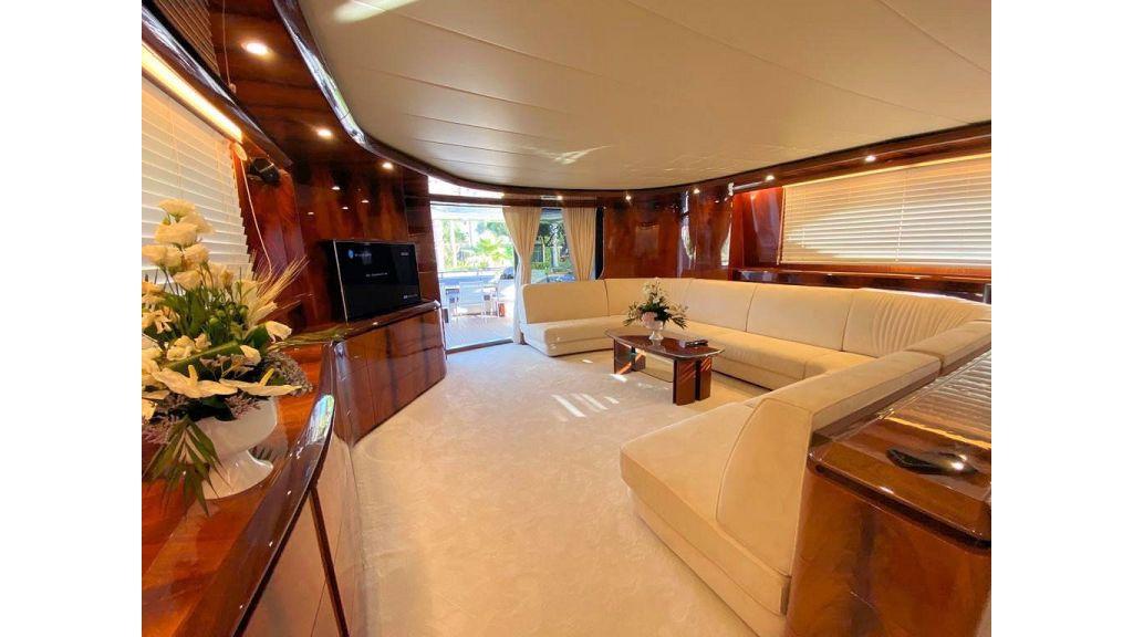 Maiora 32 DP 2010 Motor Yacht (58)