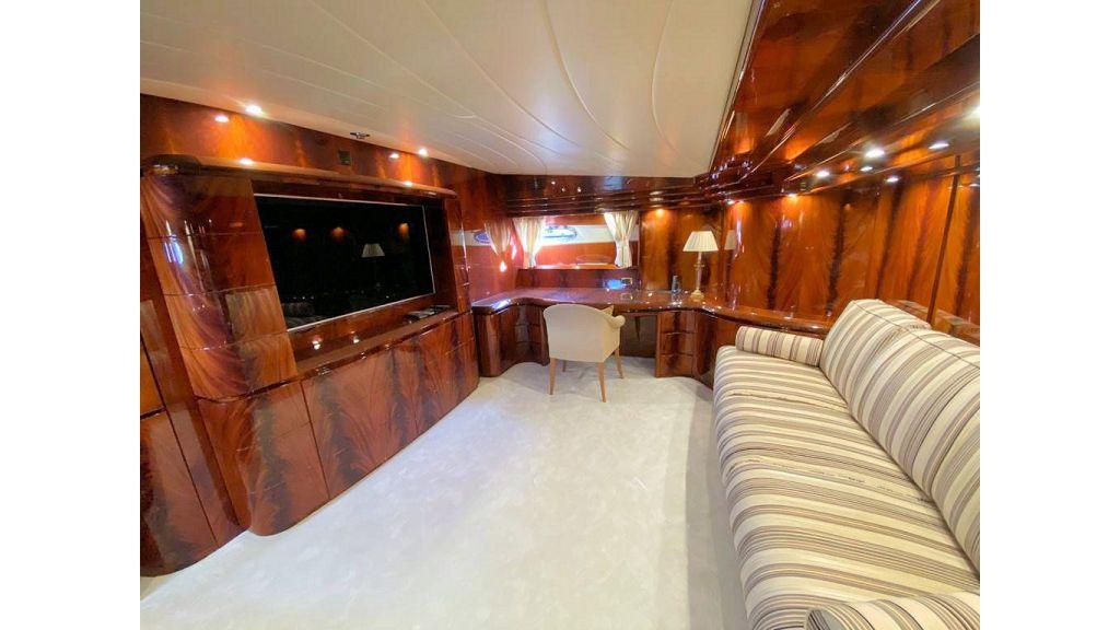 Maiora 32 DP 2010 Motor Yacht (59)