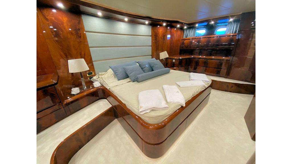 Maiora 32 DP 2010 Motor Yacht (60)