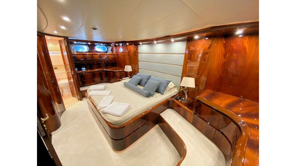 Maiora 32 DP 2010 Motor Yacht (61)