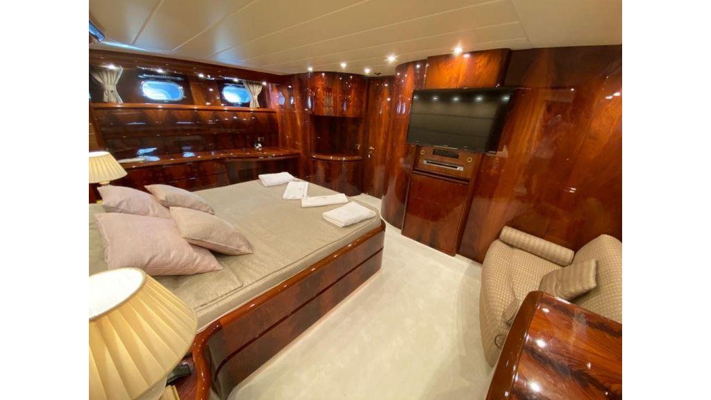 Maiora 32 DP 2010 Motor Yacht (66)